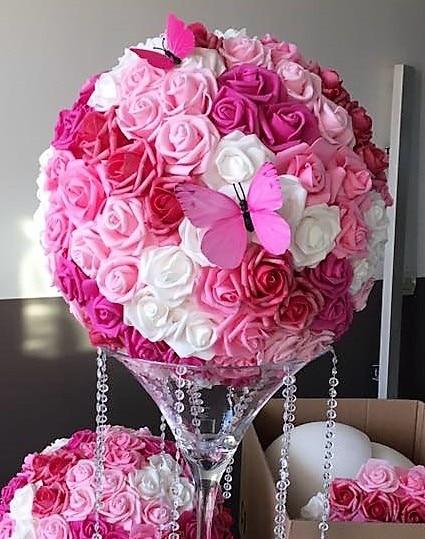 diy boules de fleurs pour vase martini centre de table causons mariage. Black Bedroom Furniture Sets. Home Design Ideas